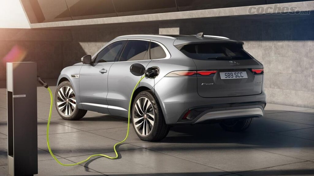 Jaguar estrenará más modelos PHEV híbridos enchufables este año 2021. Ven a descubrirlos a Tumasa